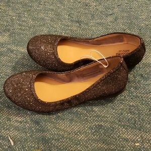 Mossimo Black & Silver Size 8 ballet scrunch flats